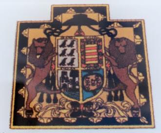 Escudo fachada palacio de Moutas