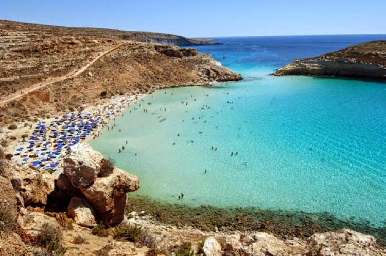 Le gagnant de ce top 10 est Spiaggia dei Conigli en Sicile, littéralement : 'la plage des Lapins'.