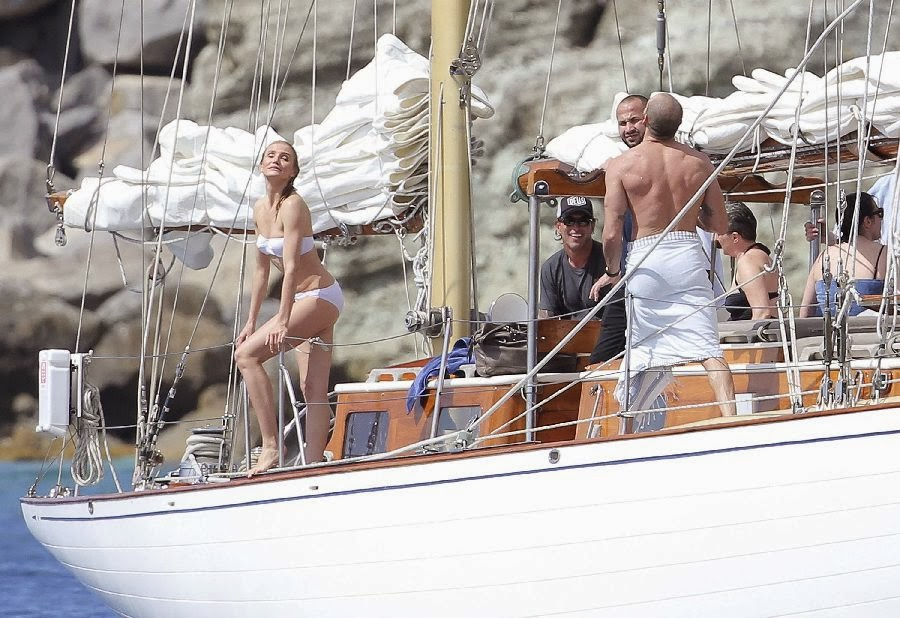 English:Cameron Diaz White Bikini Saint Barthelemy February‭ ‬1,‭ ‬2014