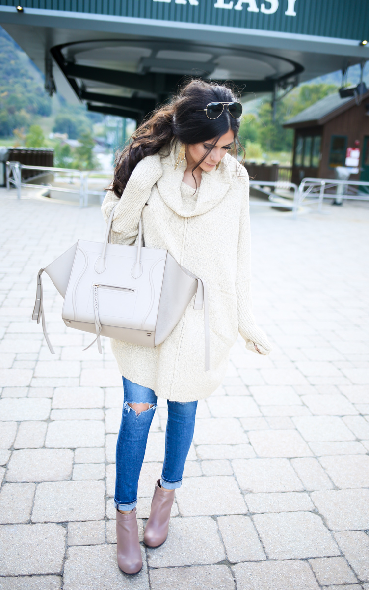 fall outfit idea, fall ootd pinterest, pinterest casual fall outfits, stowe mountain lodge vermont, oversized sweater with booties, how to wear oversized sweaters, emily gemma, the sweetest thing,curly low pony tail with volume