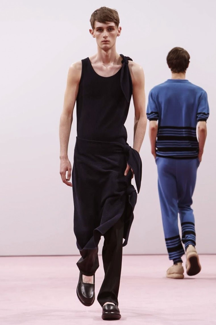 JW-Anderson, JW-Anderson-Spring-Summer, London-Fashion-Week, London-Collection-Menswear, JW-Anderson-london-collection-mesnwear, lcm, fashion-week, lfw, london-fashion, menswear, menswear-spring-summer, spring-summer, mode-homme, cheap-mens-suits, mens-tracksuits, mens-suits-sale, mens-designer-suits, dudessinauxpodiums, du-dessin-aux-podiums, mens-waistcoats, fashion-shirts-for-men, mens-cargo-shorts, mens-shirt