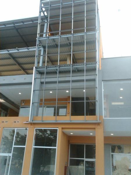 Fachada de aluminio favialuminios productos en aluminio for Fachada aluminio