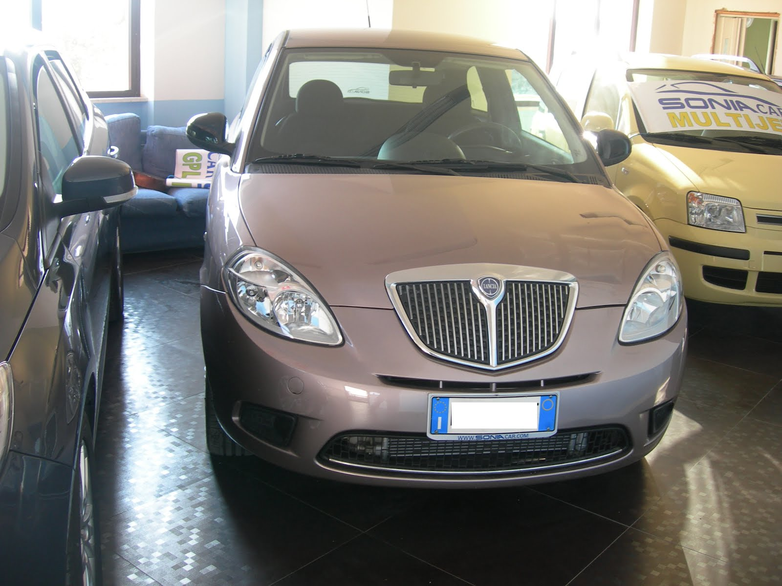 Lancia Ypsilon 1.2 DIVA Anno 2011 40.000km accessori full optional