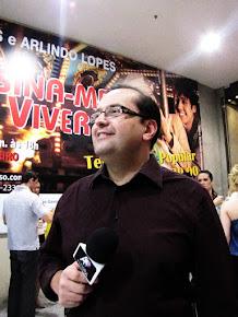 Antonio Carlos Gomes na peça ENSINA-ME A VIVER