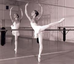 Bailar es soñar con los pies.