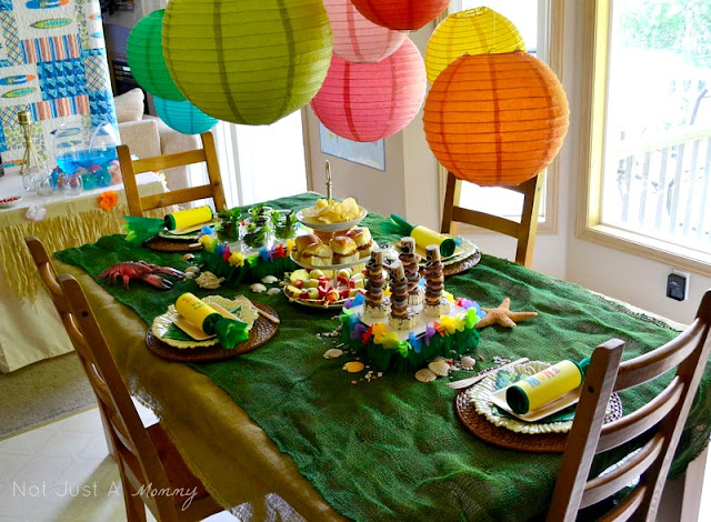 Party City Aloha To Summer Party adult table