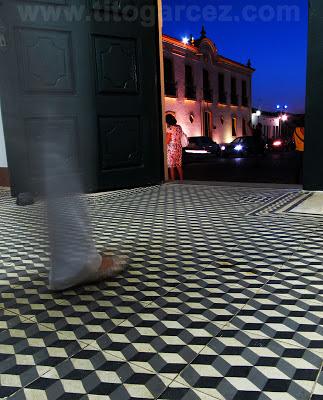 Detalhe do piso na entrada do antigo Lar Imaculada Conceição, em São Cristóvão - Sergipe