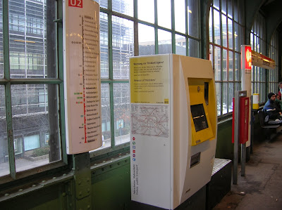 Maquinas billetes BVG,  Berlin, Alemania, round the world, La vuelta al mundo de Asun y Ricardo, mundoporlibre.com