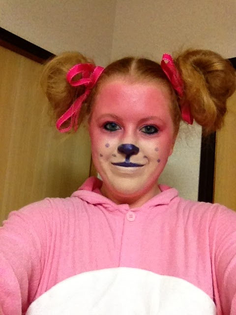 Oct 22, · This cutesy bear costume by Julie Abcede is the perfect look for those who aren't into all the blood and gore that comes with Oct. After you've finished the makeup part below, throw on your.
