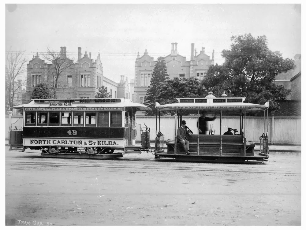 Cable Tram running on the St Kilda line. (1905)