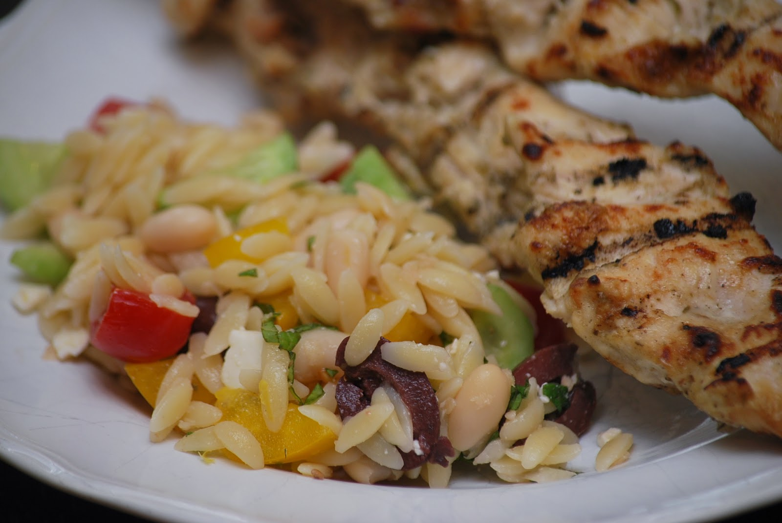 Super yummy summertime and easy meal to serve on a warm spring (or ...