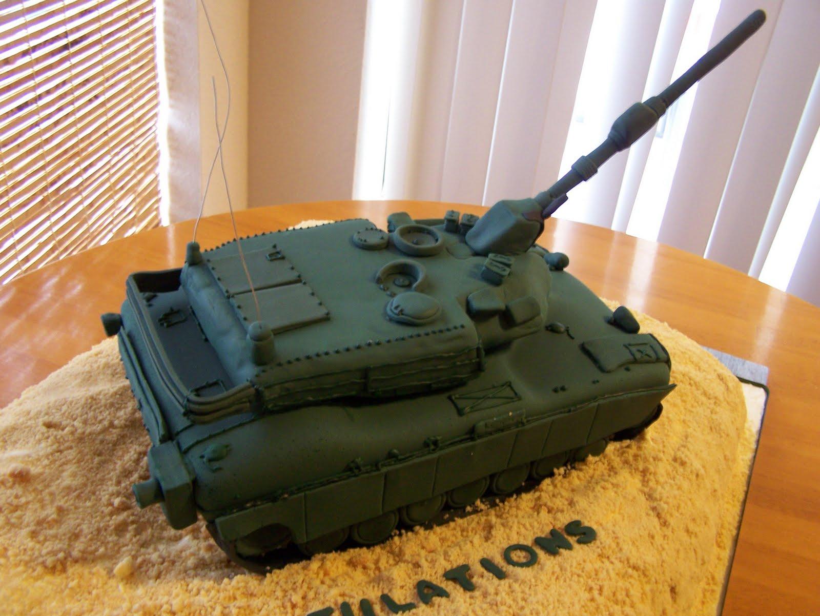 Custom+cake+army+tank+2.JPG