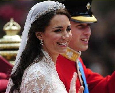 kate middleton fascinator hat. Kate Middleton left the Goring