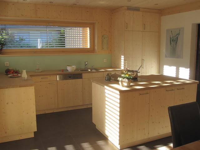 holzhaus wir bauen ein haus aus holz einrichten. Black Bedroom Furniture Sets. Home Design Ideas