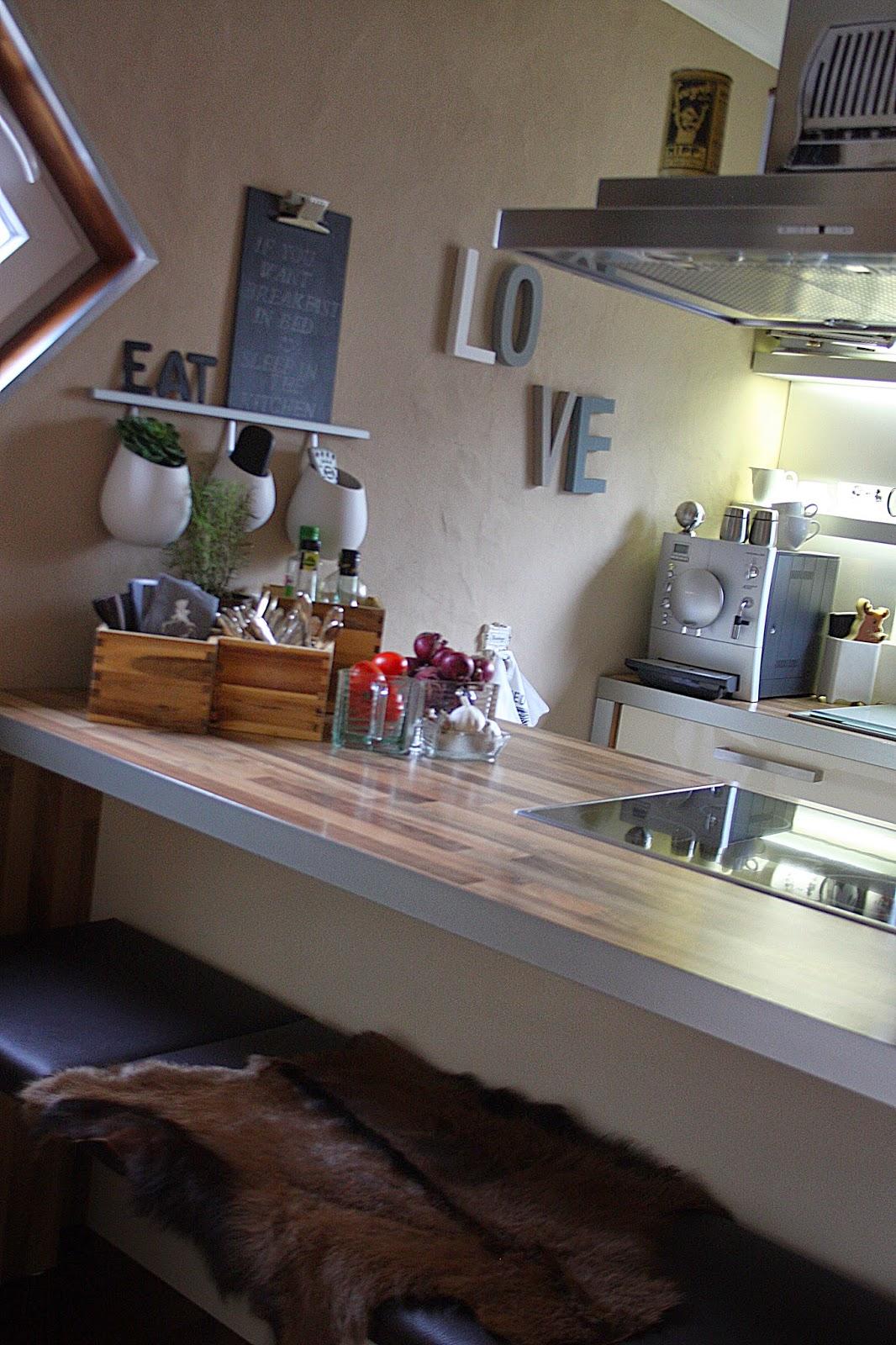 a smile style k chen post. Black Bedroom Furniture Sets. Home Design Ideas