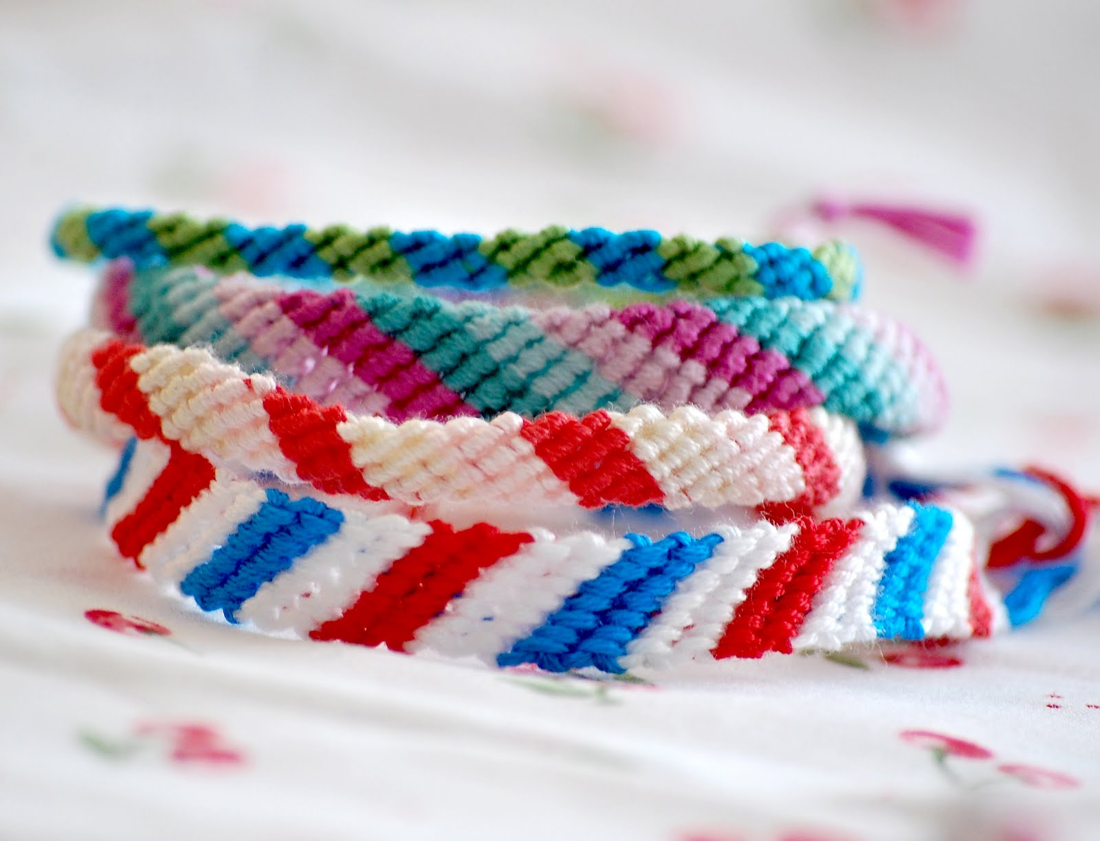A feathered nest friendship bracelets for Friendship crafts for 2 year olds