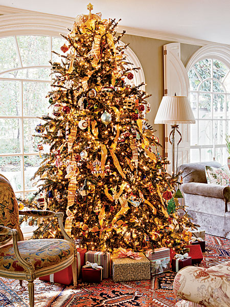 Christmas decoration part 4 home interior design for Red and gold xmas tree
