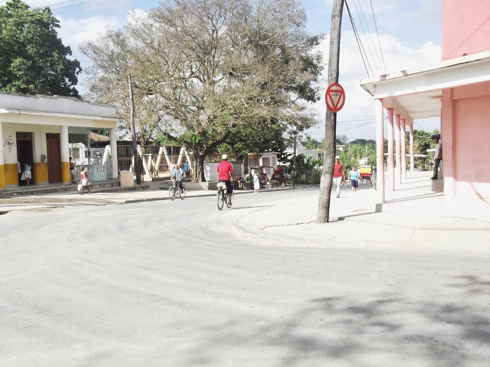Calle Gregorio Careaga y Avenida Camilo Cienfuegos