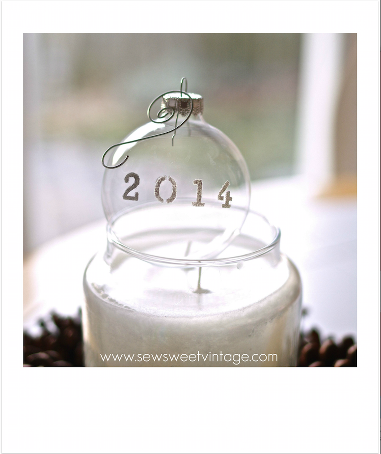 how to make a stenciled glass 2014 Christmas ornament