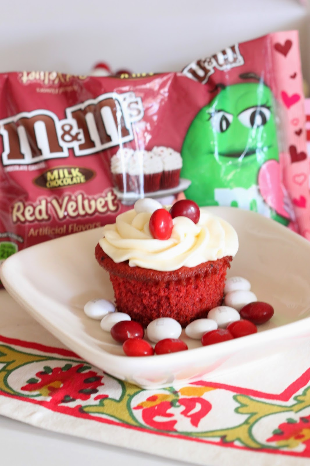 M&M's® Red Velvet Cookie Dough Filled Cupcakes | Tortillas and Honey