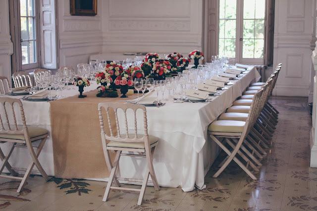 Mesa imperial con copas de hierro