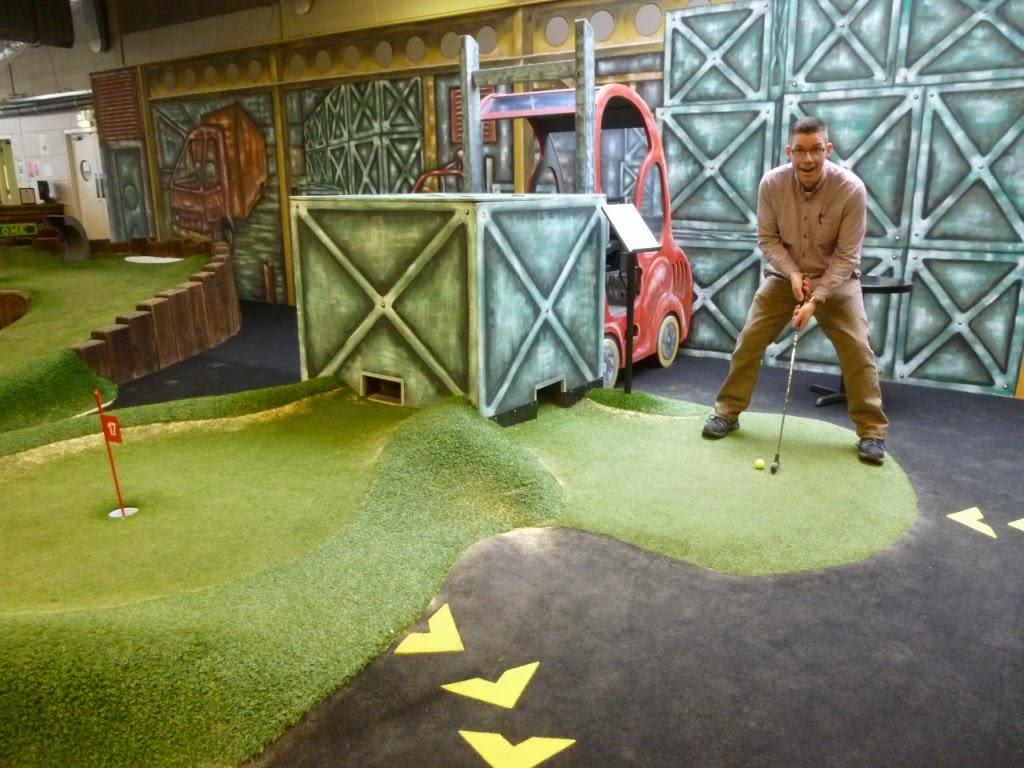 Minigolf at The Golfing Holf indoor Adventure Golf course in Swindon