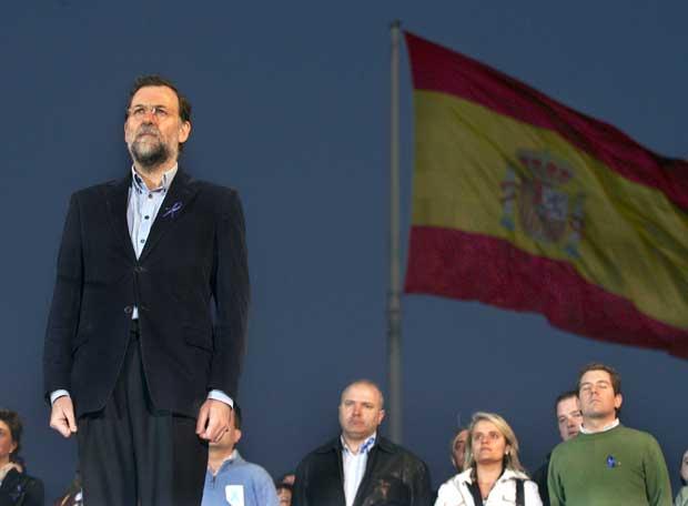 http://4.bp.blogspot.com/-D7yqJegqSJ8/UGSfVLe9UTI/AAAAAAAAGkY/Z6Xf18csvNM/s1600/Rajoy_manifestacion.jpg