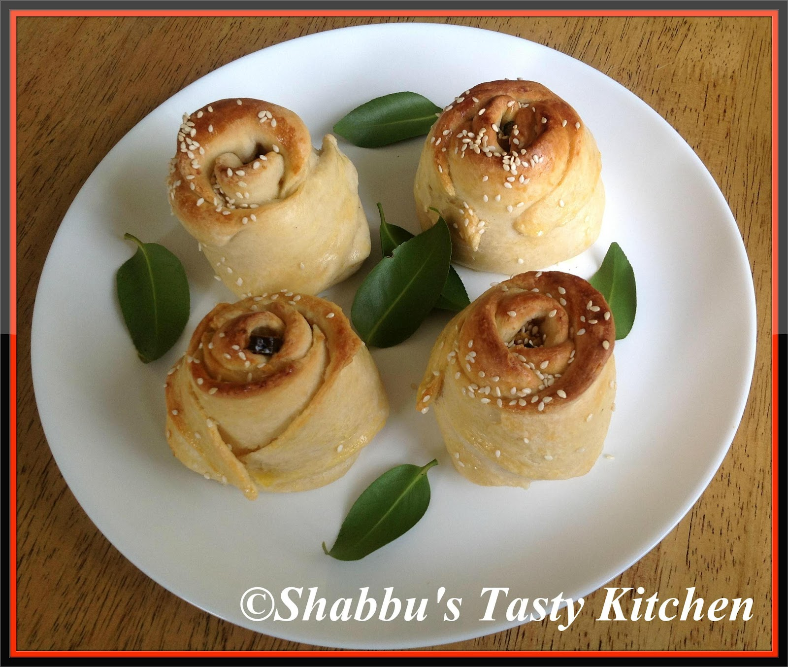 Shabbu\'s Tasty Kitchen: Chicken Rose Rolls