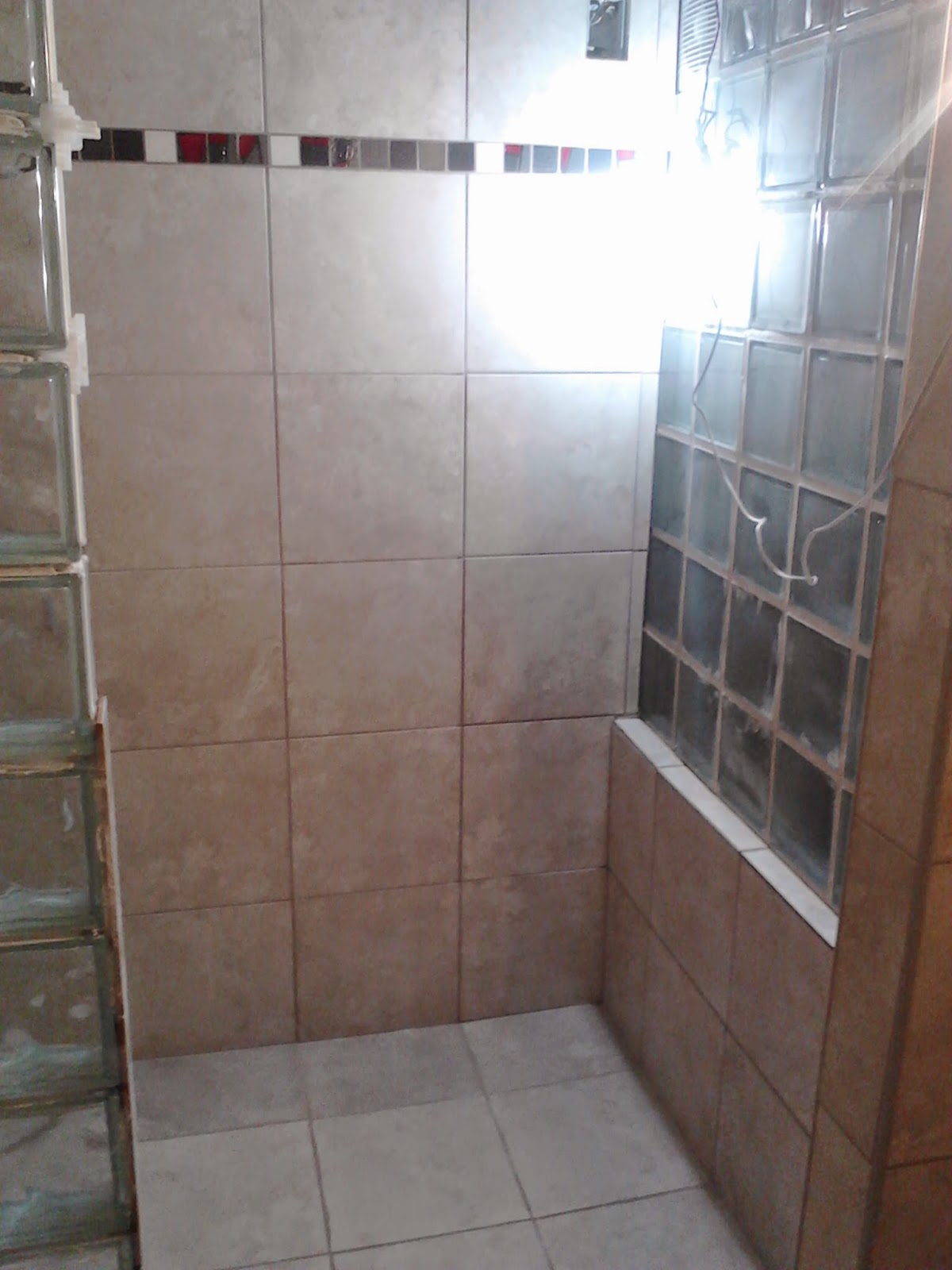 Como poner bloques de vidrio best pasamos a otro sector del bao y recuerdo que quera terminar - Como colocar ladrillos de vidrio ...