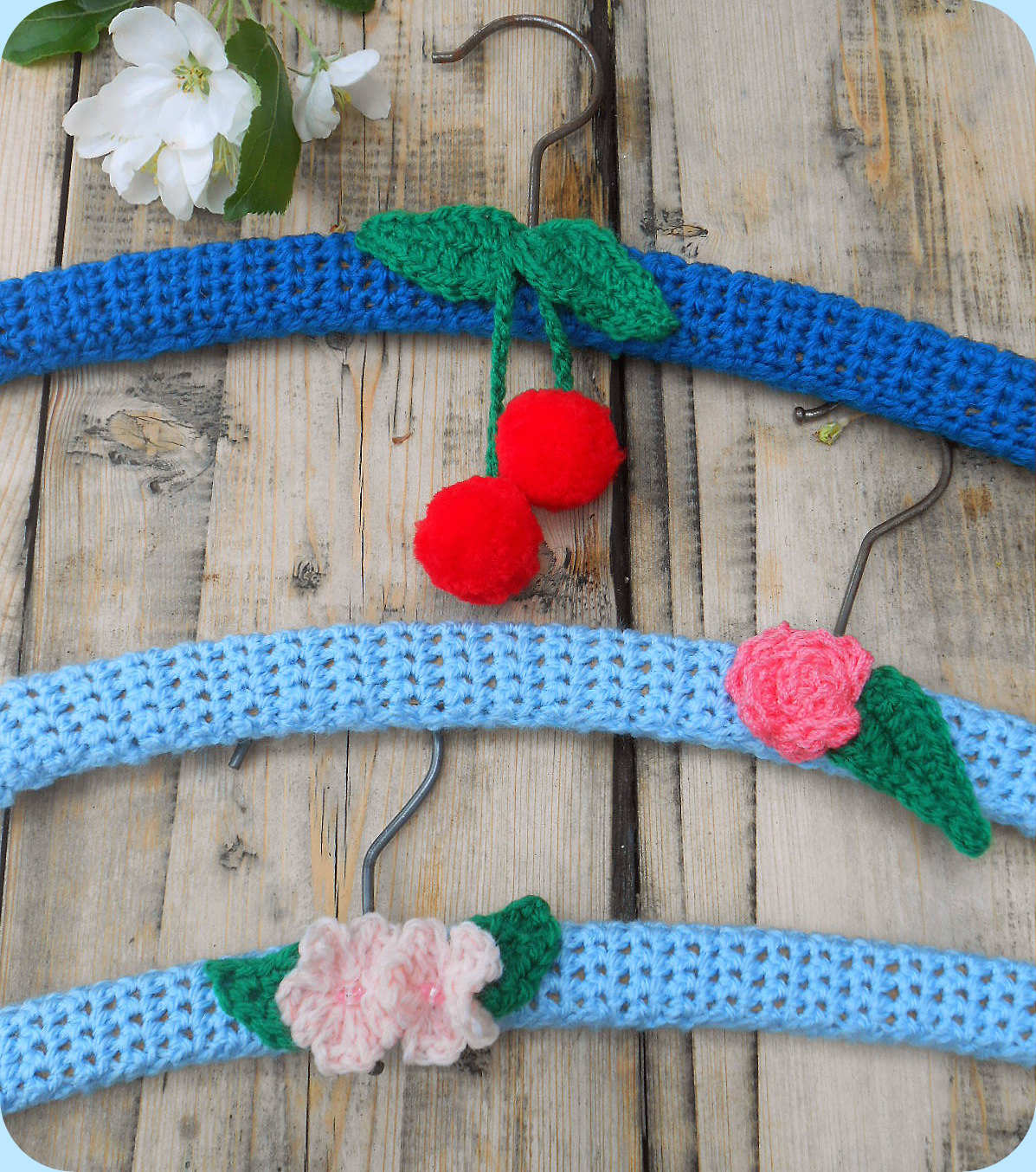A Simple Crochet Coat Hanger Diy Tutorial Lazy Daisy Jones