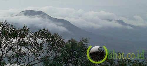 Gunung Lawu, Perbatasan Jawa Tengah-Jawa Timur