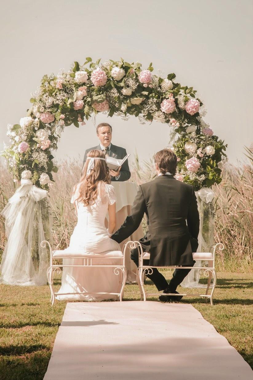 Pon un arco de flores en la decoraci n de tu boda blog - Cosas para preparar una boda ...
