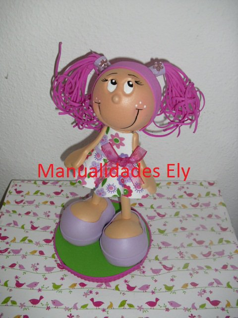 algunos de neustros modelos de muñecas Fofuchas hechas en Goma Eva