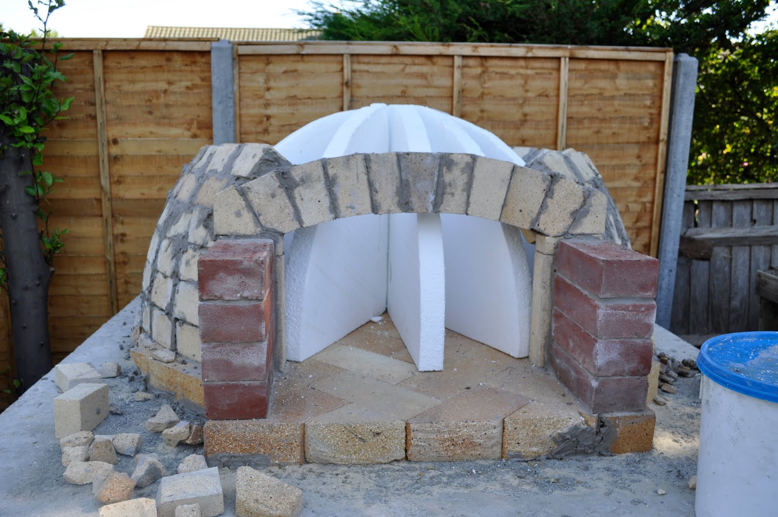polystyrene formers in diy pizza oven project