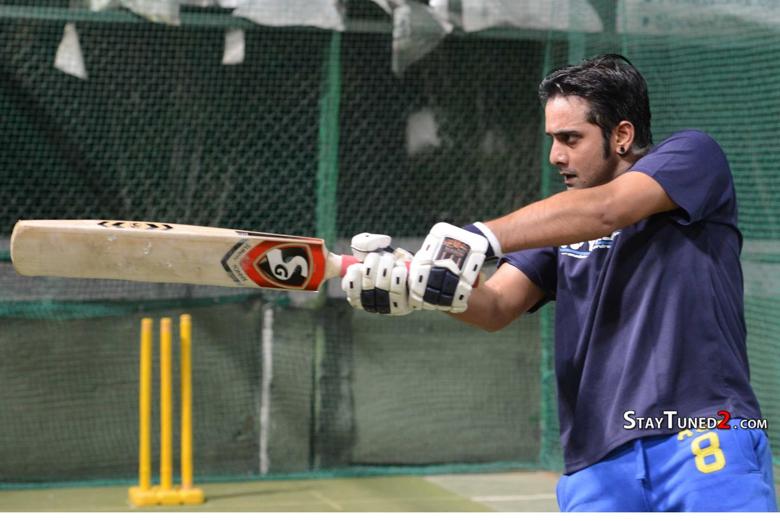 http://4.bp.blogspot.com/-D8s5QlHh1vQ/URNODkLlcUI/AAAAAAAAFVQ/vVOx8k2-X1I/s1600/Telugu-Warriors-Practicing-For-CCL-3-At-In-Sportz-Stadium-62.jpg