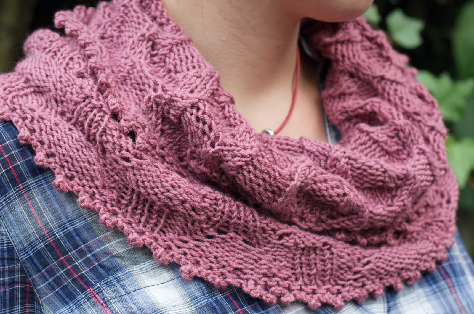 Ela Sews And Doesn\'t Sleep: May I proudly present my knitted lace scarf!
