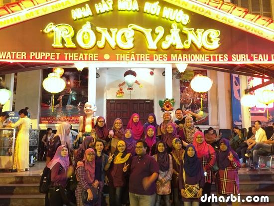 Bersama HBO Team di Water Puppet Theatre di Ho Chi Minh