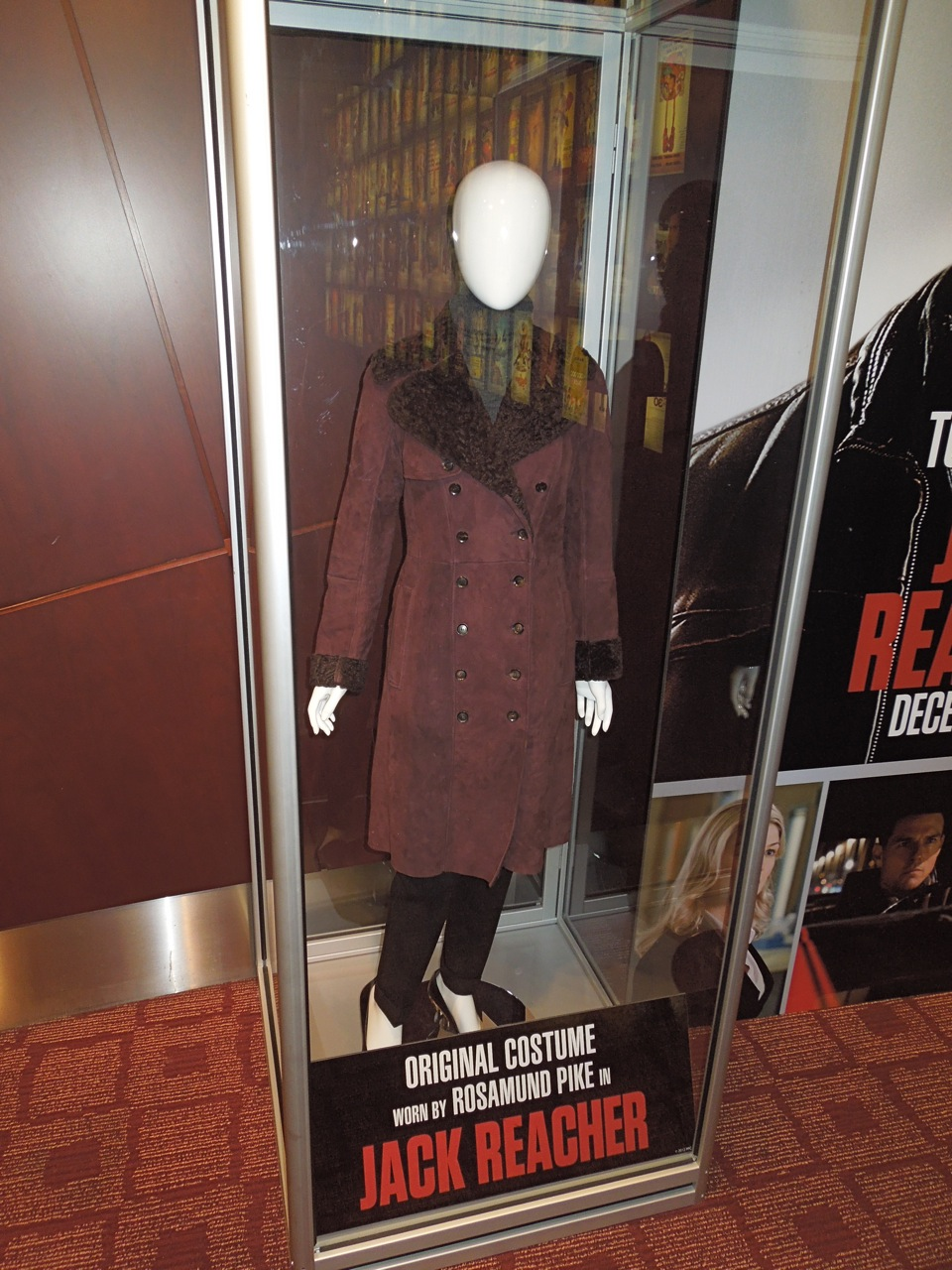hollywood movie costumes and props  tom cruise and