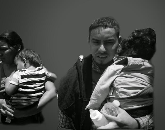 Pareja con niños en brazos