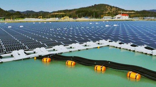 fazenda solar flutuante