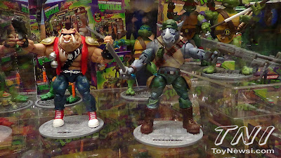 Playmates Teenage Mutant Nunja Turtles Classics Bebop & Rocksteady Figures - Power-Con Display