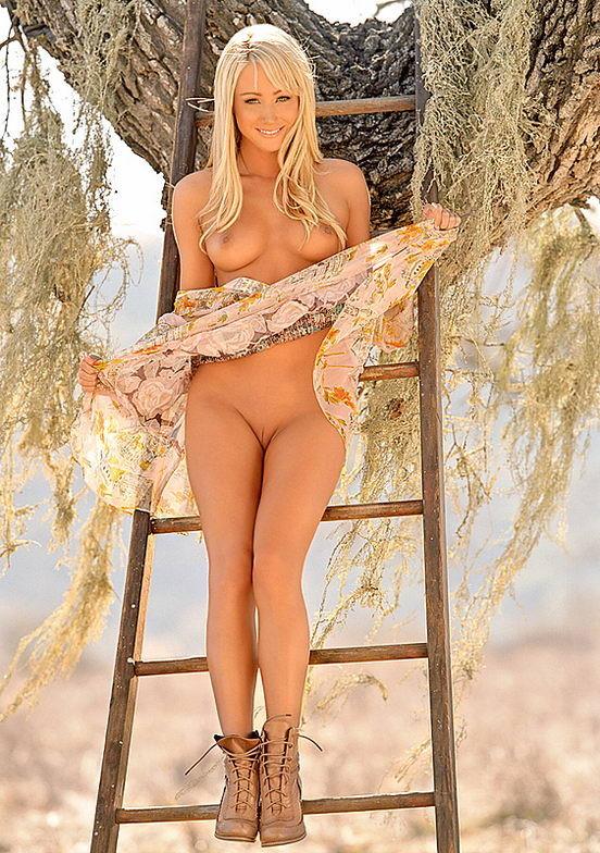 Фото голая сара джин андервуд