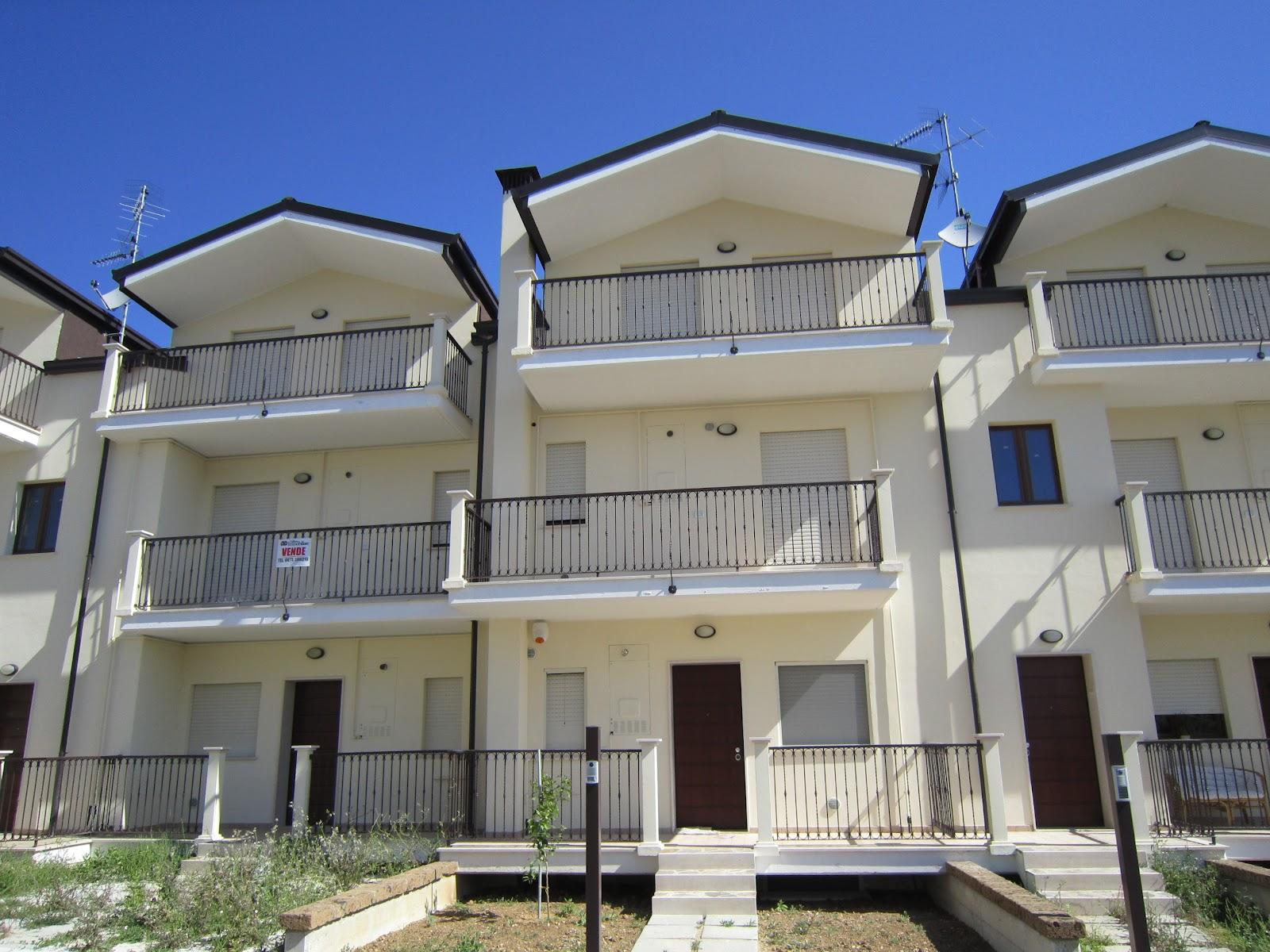 Vallone immobiliare vendesi appartamenti duplex vasto for Piani di costruzione duplex