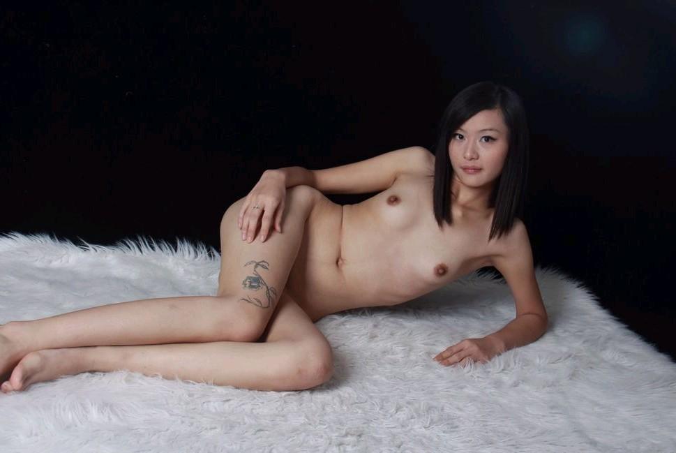 DONGDAM - Em xăm hình chụp ảnh nude rất duyên dáng