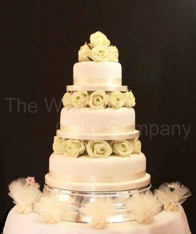 fountain for wedding cake