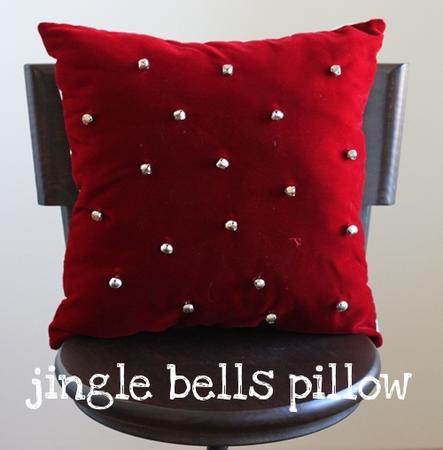 30 Modern Christmas Pillows to Quilt & Sew - wow i like that
