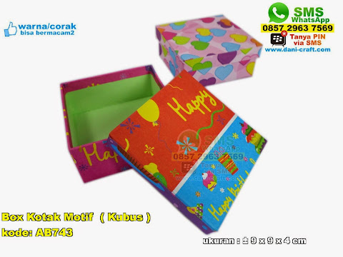 Box Kotak Motif
