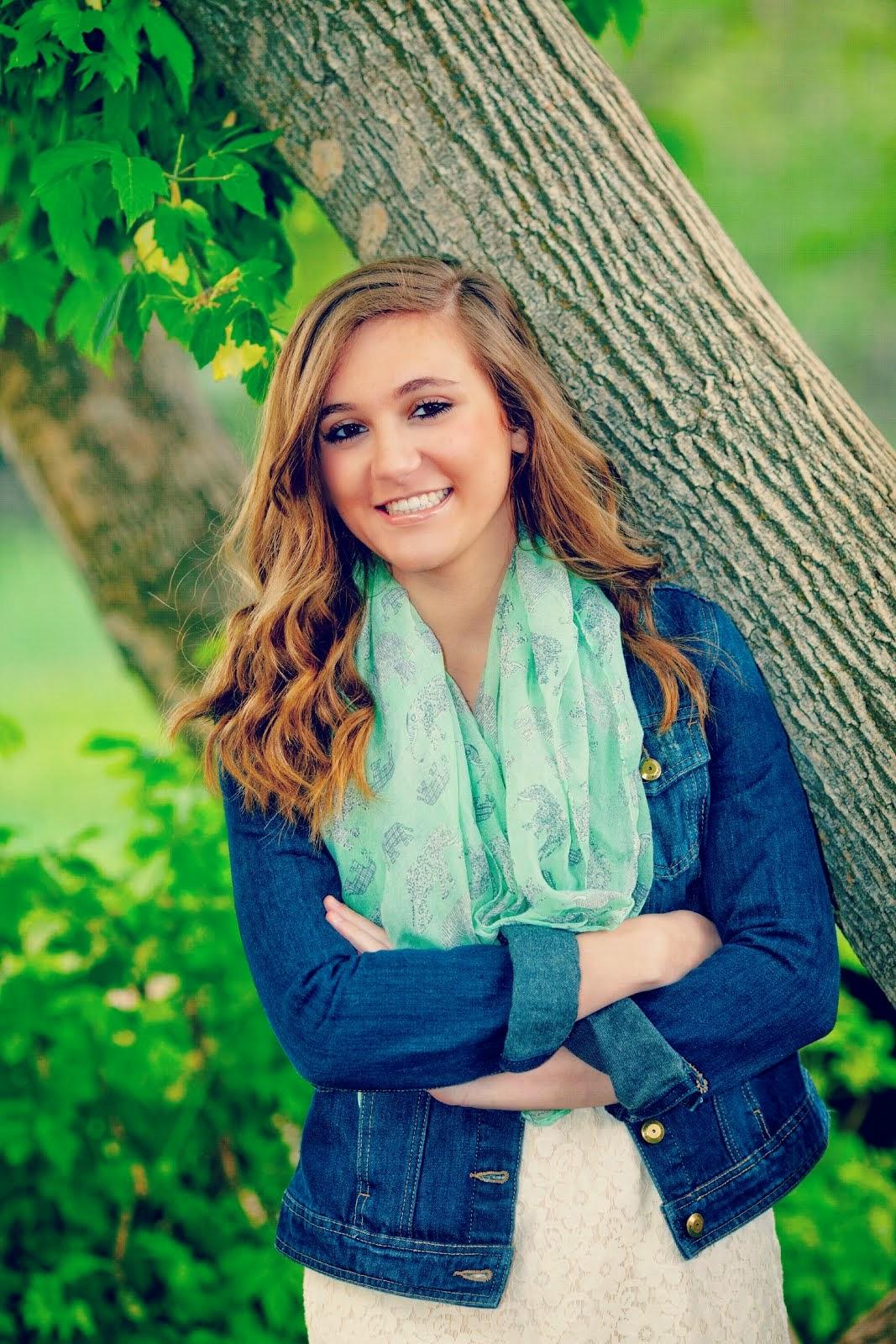 Hannah Isabelle (17)