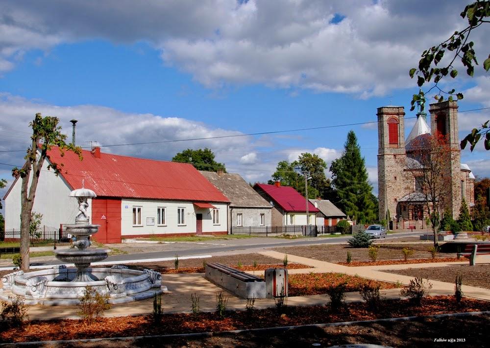 Plac Kościelny w Fałkowie 5.09.2013 Źródło: Zbiory prywatne Anety Ambroziak