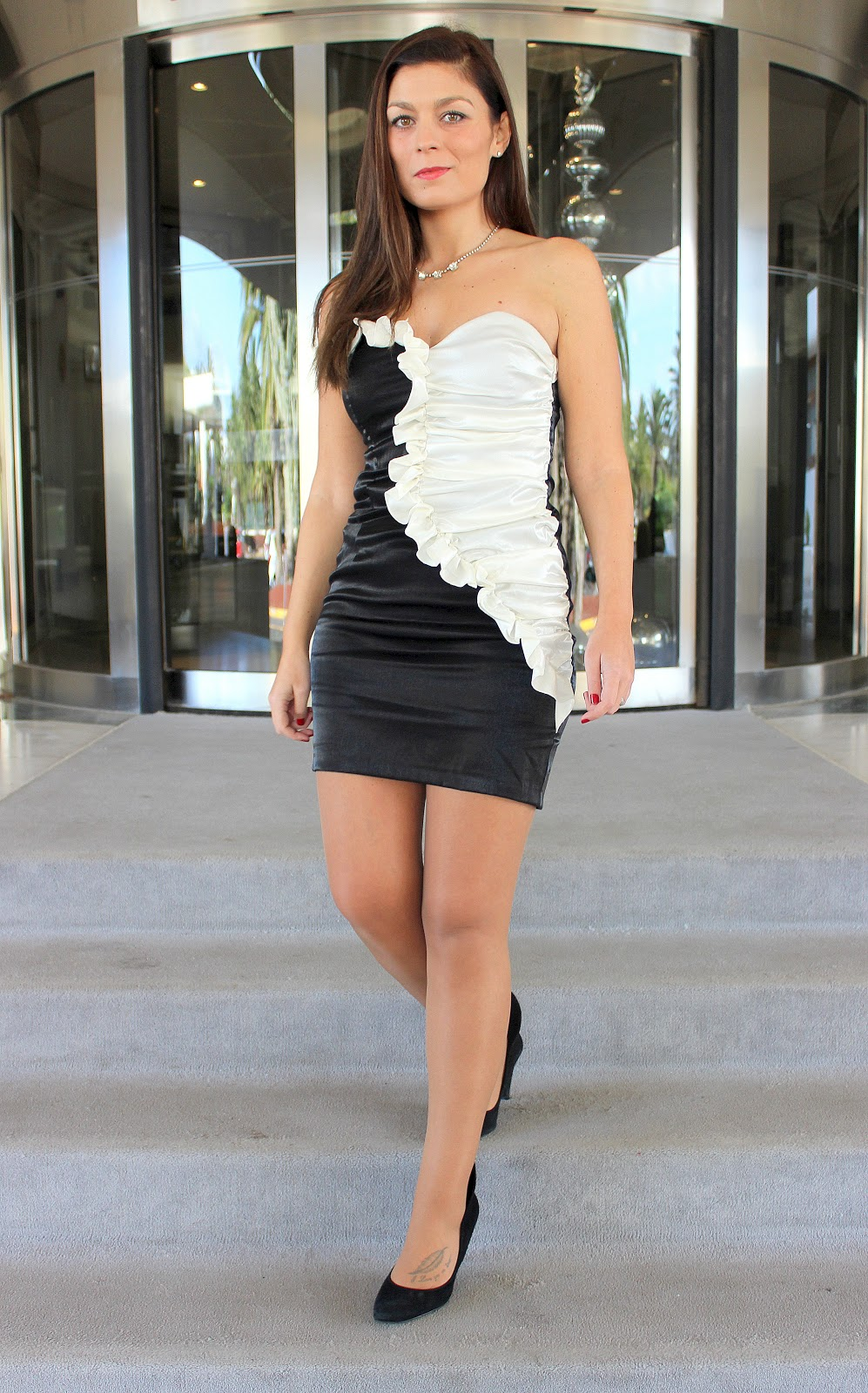 Black_and_White_Dress_The_Pink_Graff_02